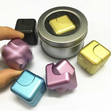 Wholesale Alloy Spinner Cube in tin